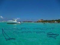 Luxury Yacht Charter Cancun Pesca