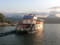 Paseo en barco en el lago