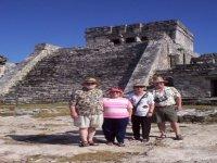 Paseo en las ruinas mayas