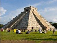 Caminando entre piramides
