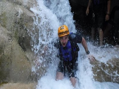 Rino Excursiones Cañonismo