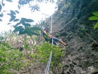 Mountain descent with rope
