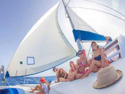 Paradise Adventours Paseos en Barco