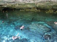 Practicando snorkel en cenotes