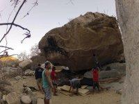 escaladores en boulder