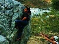 escalando en la roca