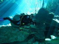 Vive con nosotros la experiencia de bucear en cenotes de la Riviera Maya
