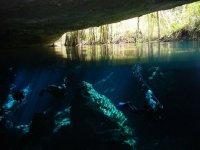 Aventura dentro de cenotes