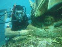 Underwater figures