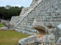 Escalinata castillo de Kukulcan