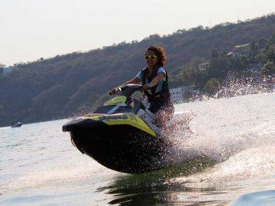 Paracaidismo Lago Motos de Agua
