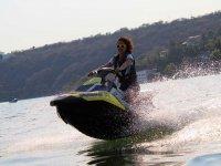 Motos de agua a toda velocidad