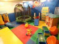 Zona de bebés con juegos