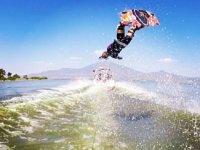 wakeboard en lago