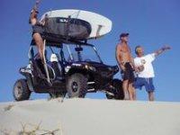 Buscando la playa para surfear