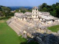 Villahermosa and its pyramids