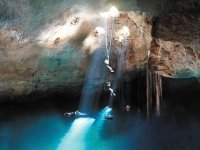 Cenote abseiling