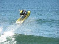 Salta las olas