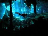Buceo en cavernas