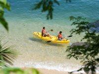 kayak con tu amigo