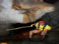 Rappel in Cave