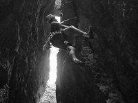 climbing in cracks