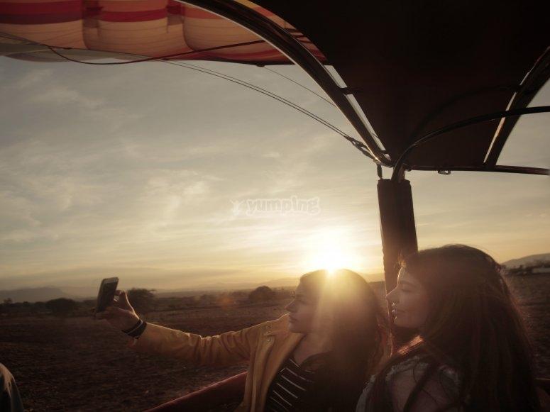 Foto al amanecer desde el globo