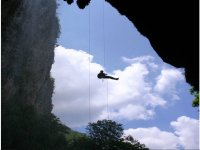 Rappel in caves