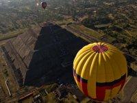 Flight in Teotihuacan