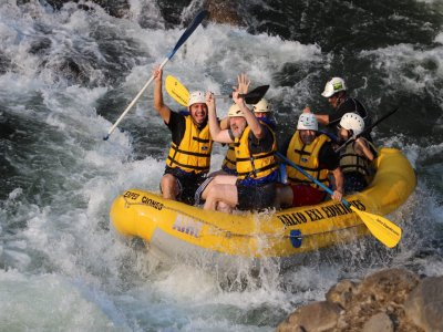 Descenso de rafting con comida en Río Pescados 3 h