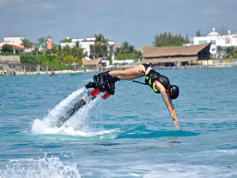 Do Flyboarding in Mexico